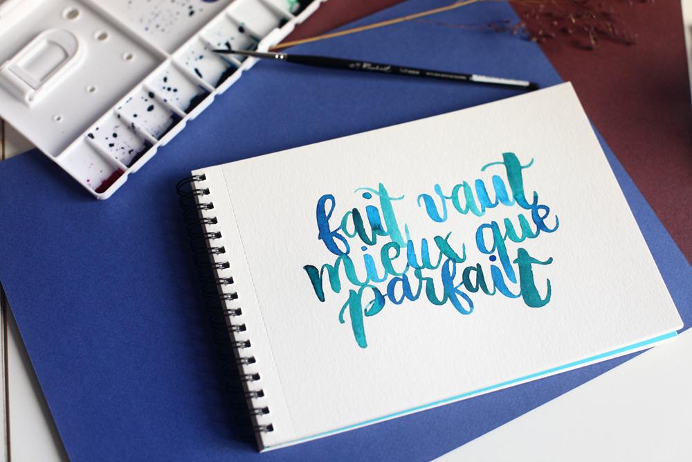 fondre les lettres entre elles (blending lettering)