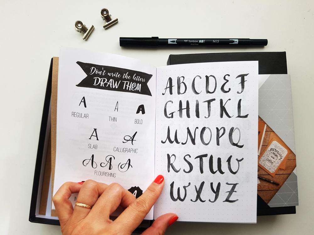 Alphabets du carnet de lettering Clairefontaine